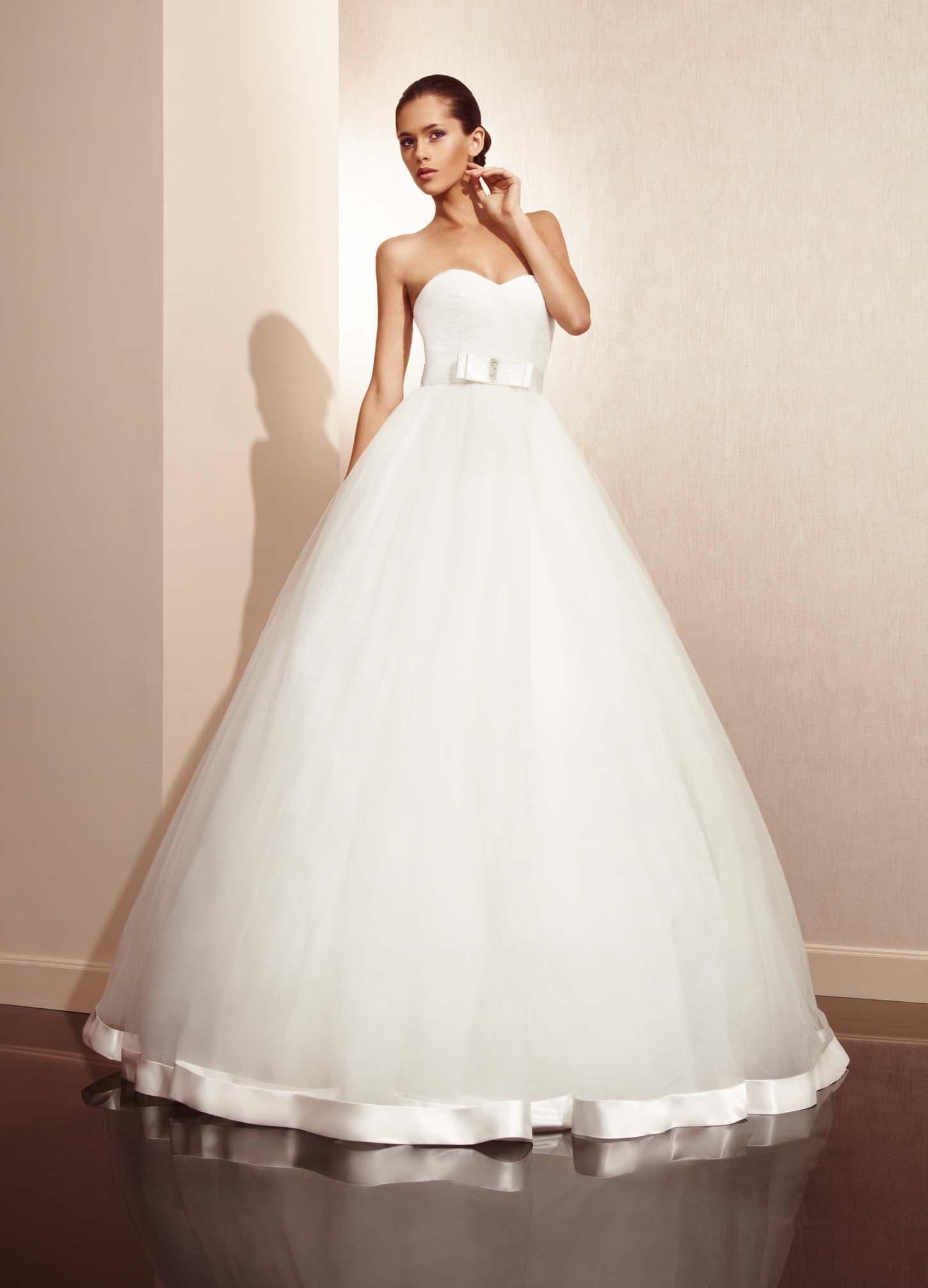 Свадебные платья пышные к низу