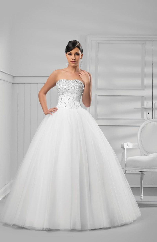 Великолепное свадебное платье из тюльмарина со сверкающим корсетом.