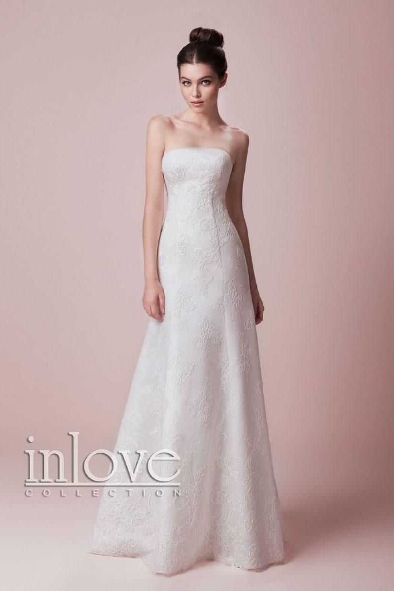 Изящное свадебное платье «принцесса» с деликатной кружевной отделкой и открытым лифом.