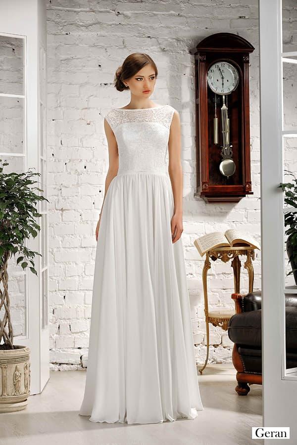 Прямое свадебное платье с кружевным лифом, дополненным вырезом сзади.