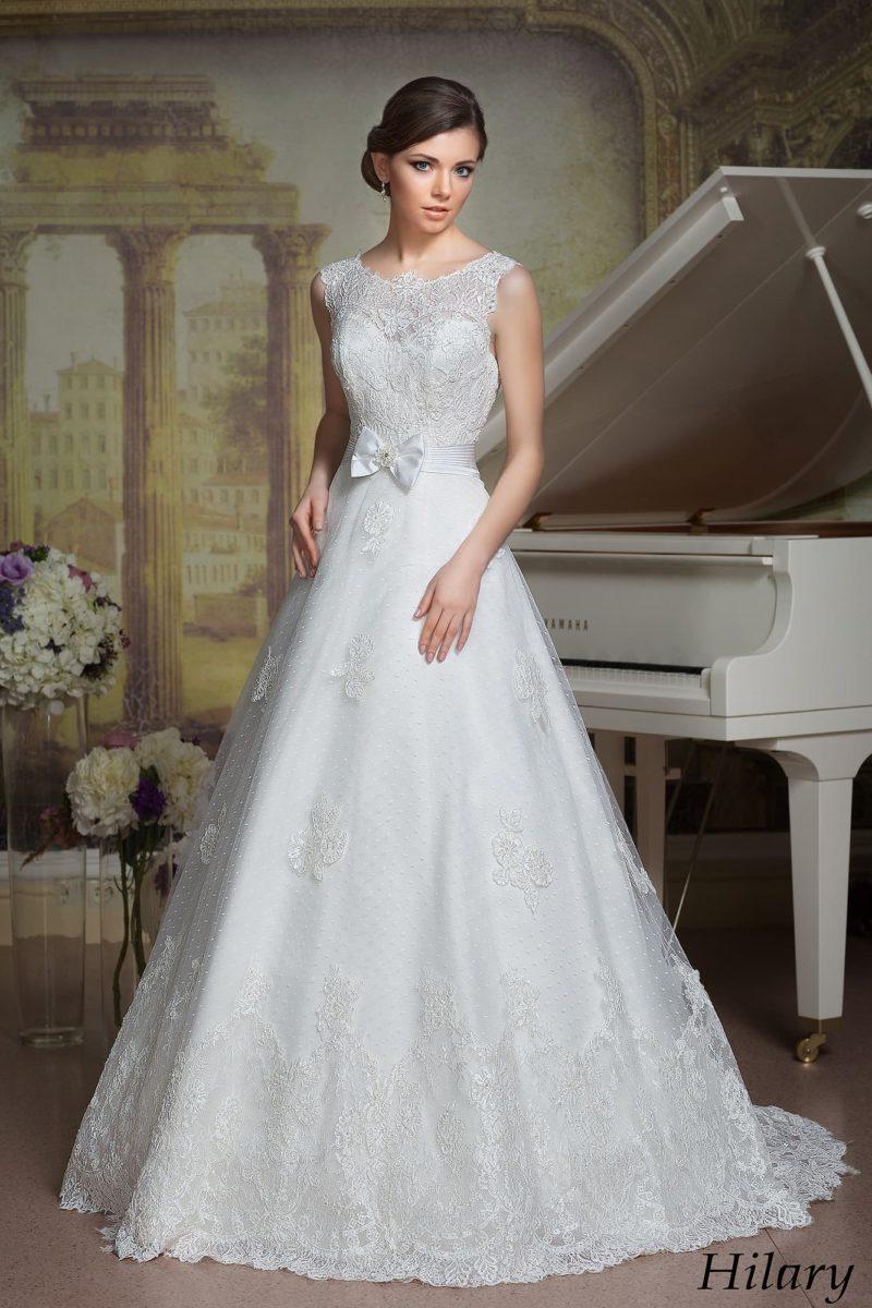 Роскошное свадебное платье «принцесса» с кружевным верхом с изящным округлым вырезом.