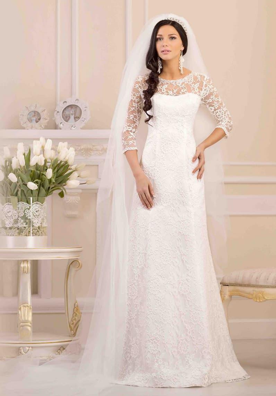 Элегантное свадебное платье «трапеция» с кружевными рукавами длиной в три четверти.