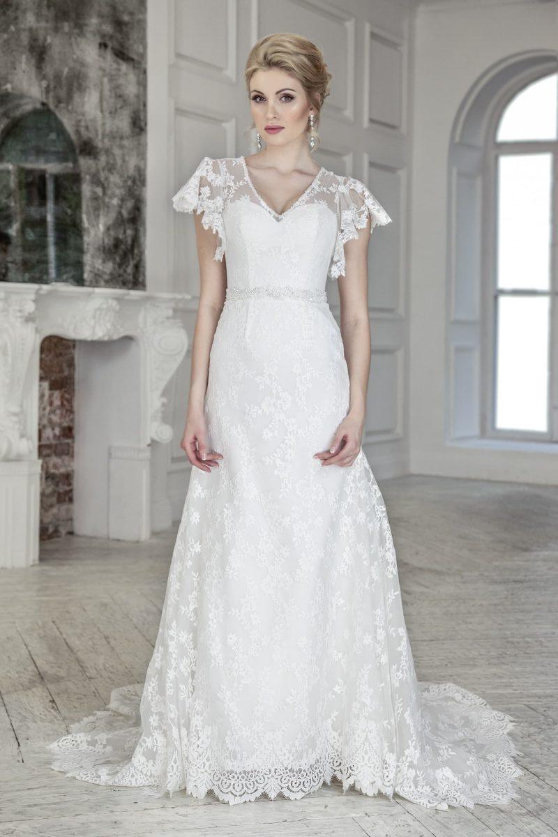 Кружевное свадебное платье с пышным коротким рукавом и юбкой «трапеция».