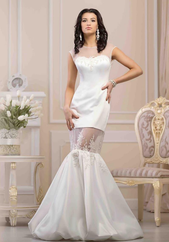 Эксцентричное свадебное платье «русалка» с атласной подкладкой и полупрозрачной вставкой на юбке.