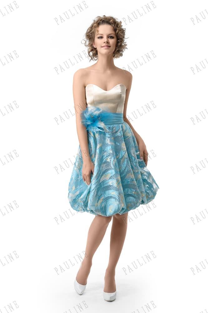 Вечернее платье с кремовым атласным корсетом и голубой юбкой до колена.