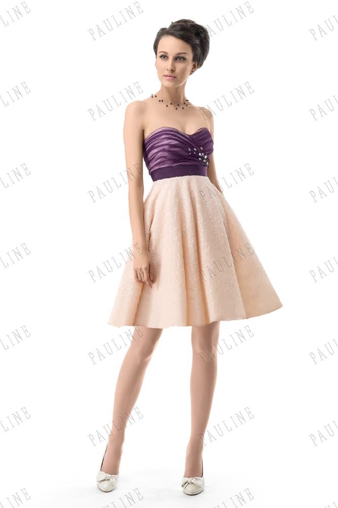 Короткое вечернее платье с фиолетовым лифом и персиковой юбкой А-кроя.