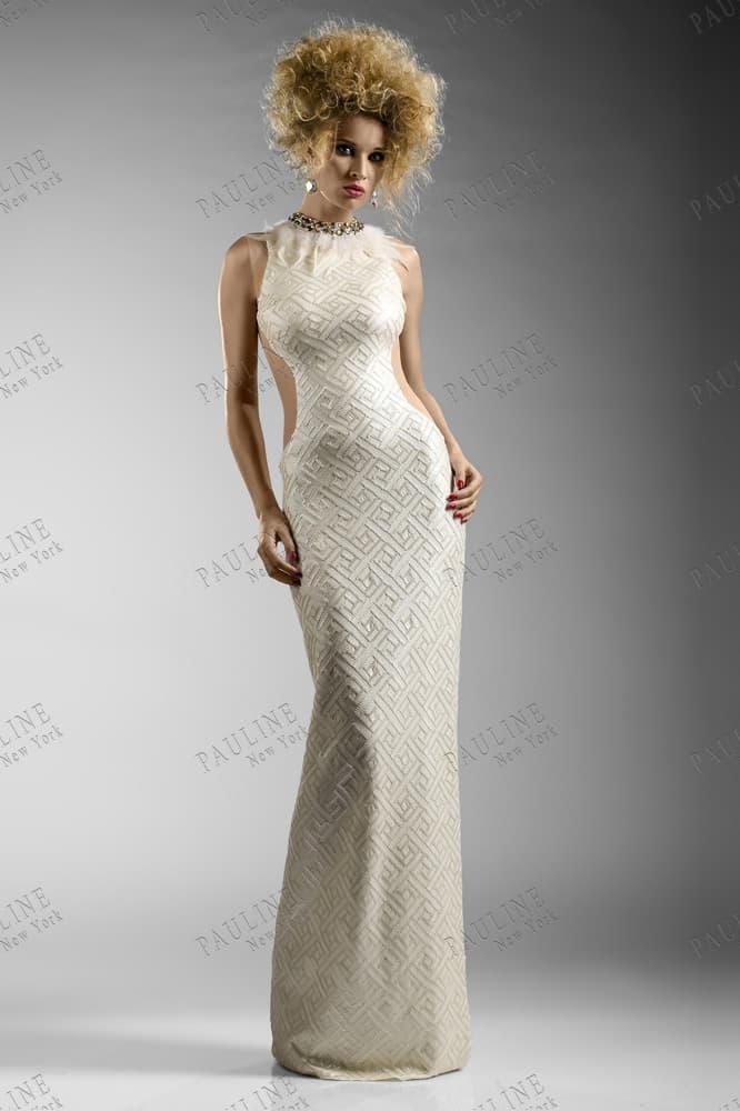 Облегающее вечернее платье с вырезами по бокам и бисерной вышивкой.