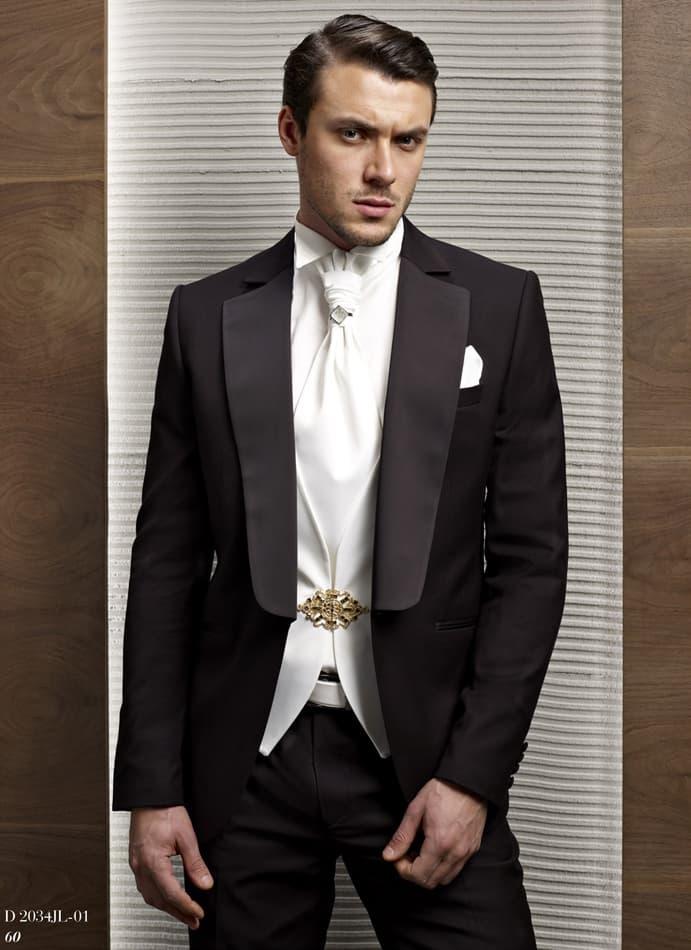 ▶▶Мужской свадебный костюм с черным пиджаком, классическими брюками и белой сорочкой ☎ +7 495 724 26 05 ▶▶ Свадебный центр Вега Ⓜ Петровско-Разумовская