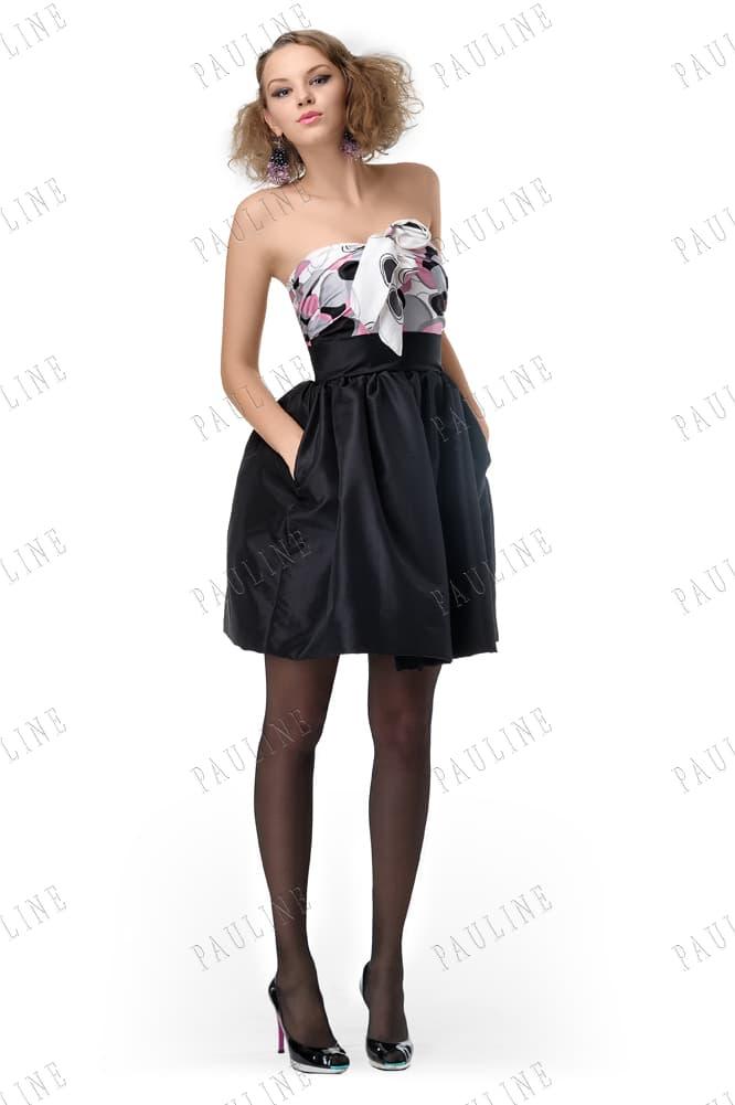 Вечернее платье с короткой черной юбкой и открытым лифом с принтом.