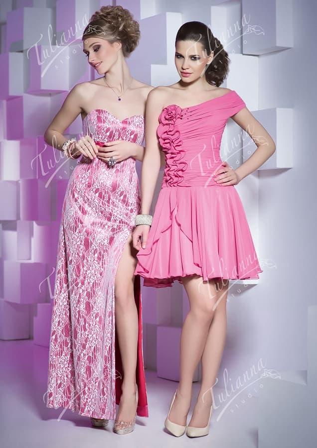 Вечернее платье розового цвета с юбкой до середины бедра или в пол.