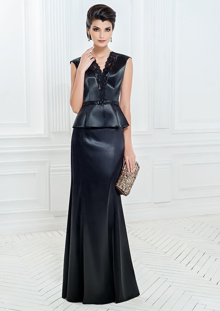 Черное вечернее платье из атласа, с короткой пышной баской.
