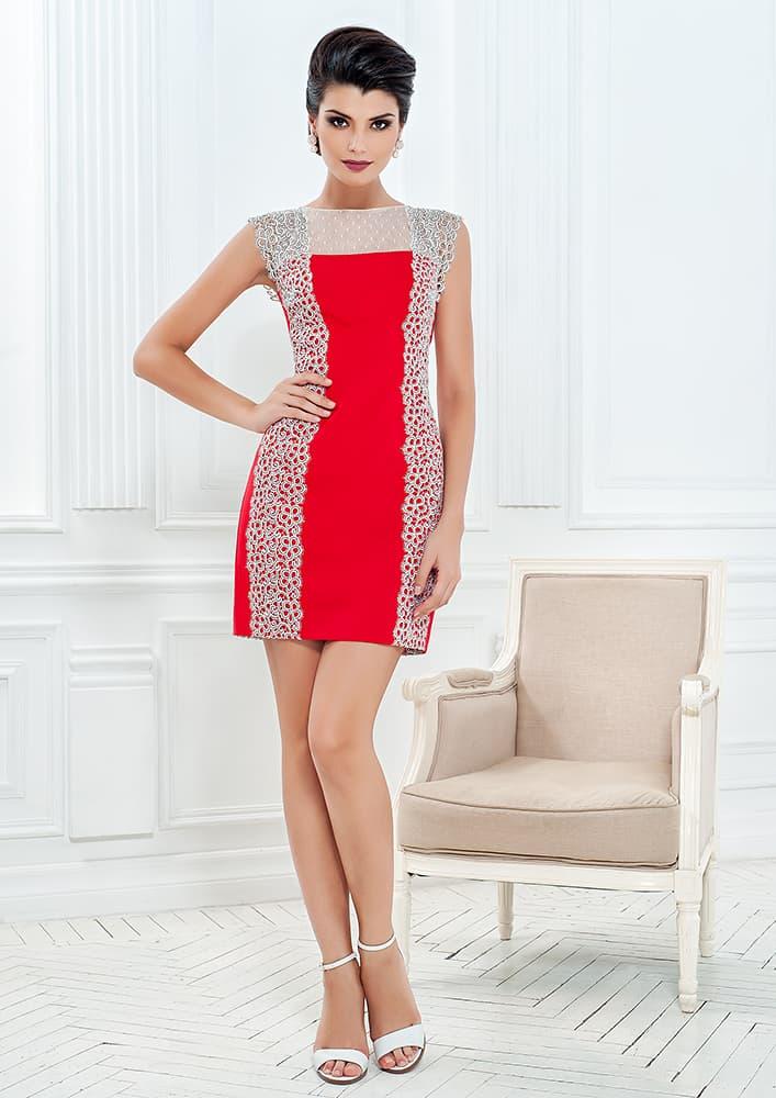 Короткое вечернее платье алого цвета с белым кружевным декором.