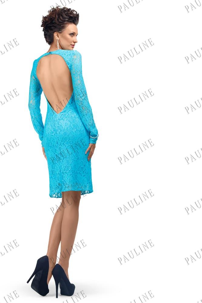 Голубое вечернее платье с длинным рукавом и вырезом на спине.
