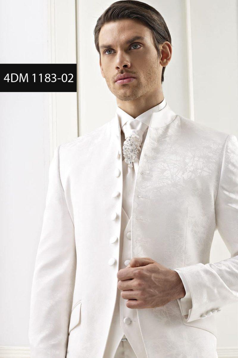 ▶▶Молочно-белый мужской свадебный костюм с пиджаком-френчем и жилетом ☎ +7 495 724 26 05 ▶▶ Свадебный центр Вега Ⓜ Петровско-Разумовская
