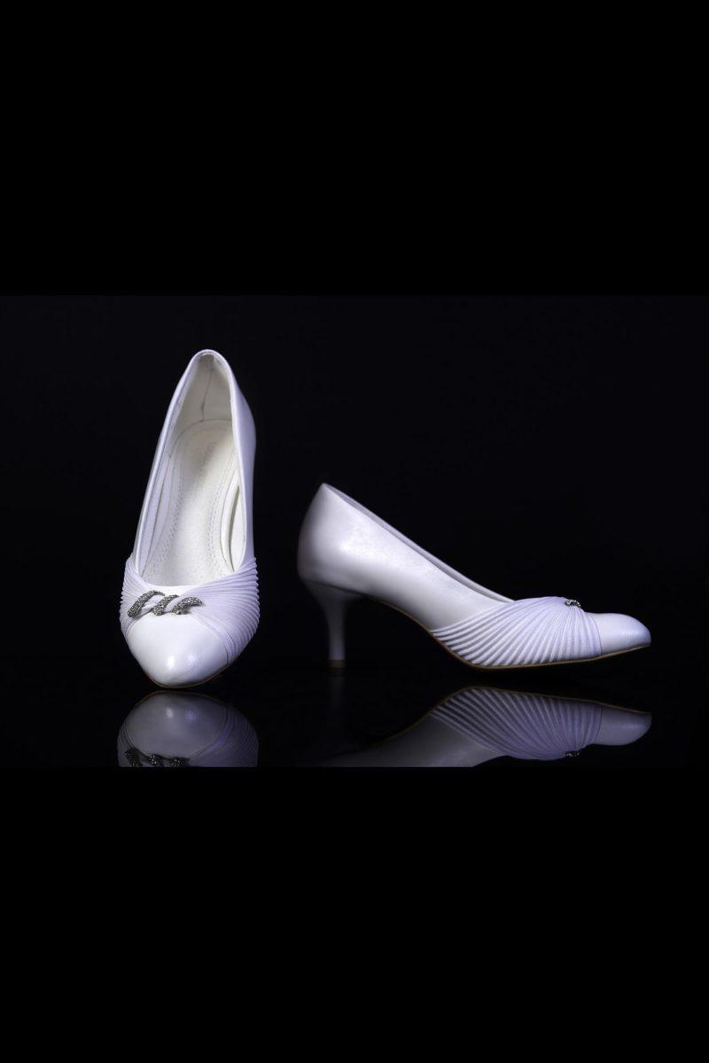Туфли кожаные, украшенные драпировками
