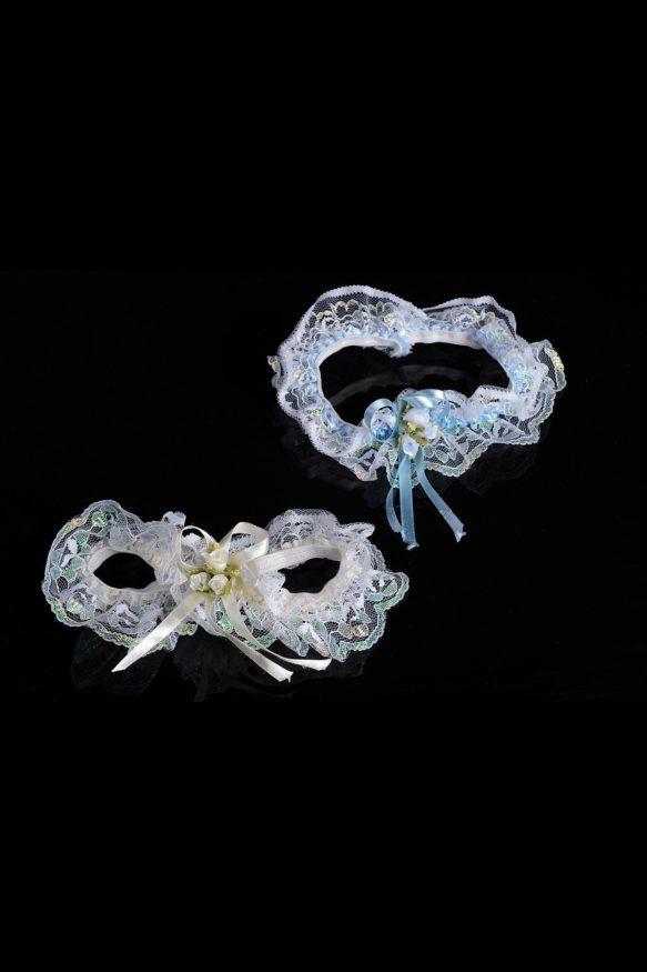 Комплект из двух изящных кружевных подвязок, голубой и белой.