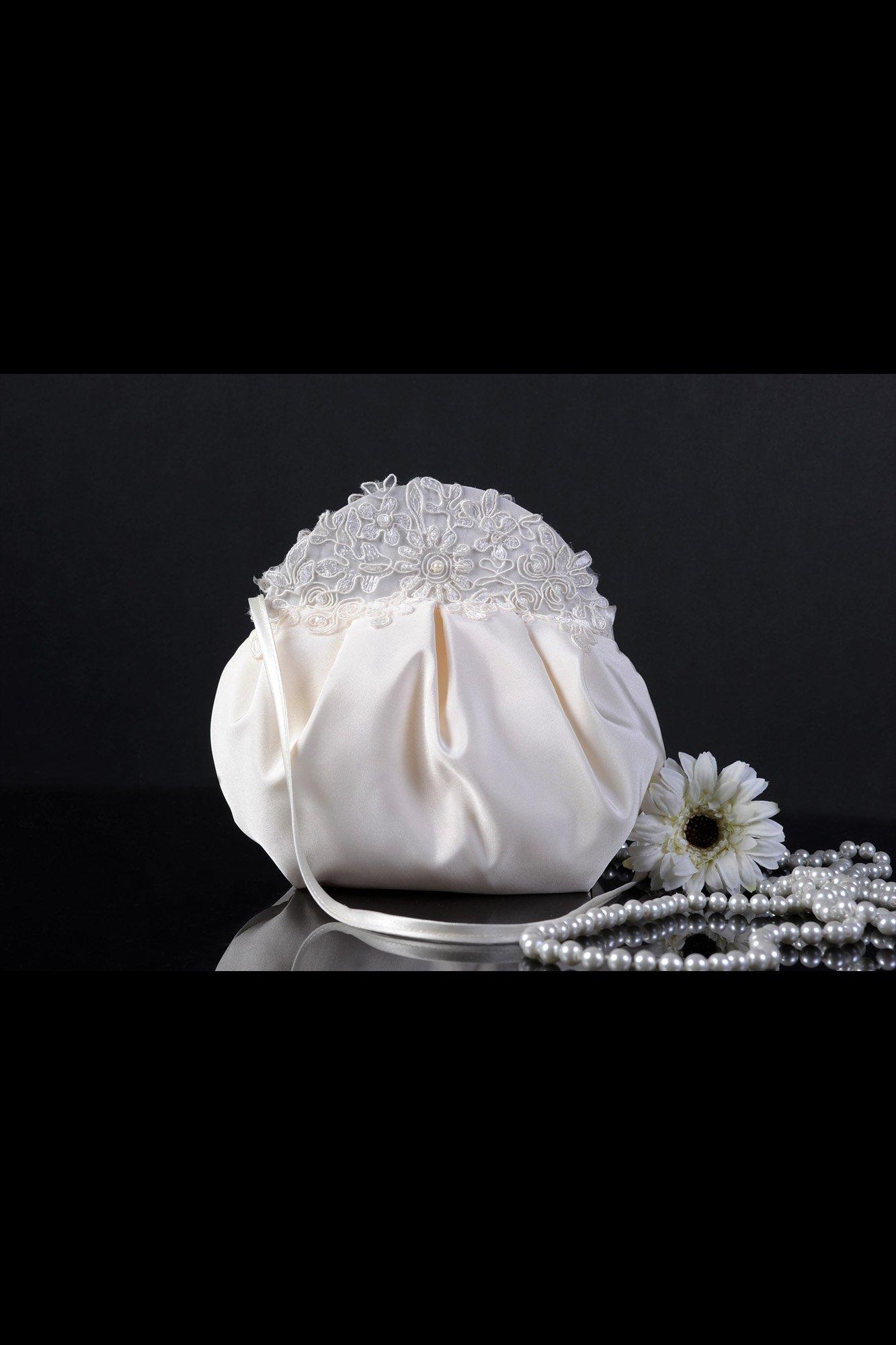 Элегантная свадебная сумочка из атласной ткани, украшенная сверху кружевной тканью.