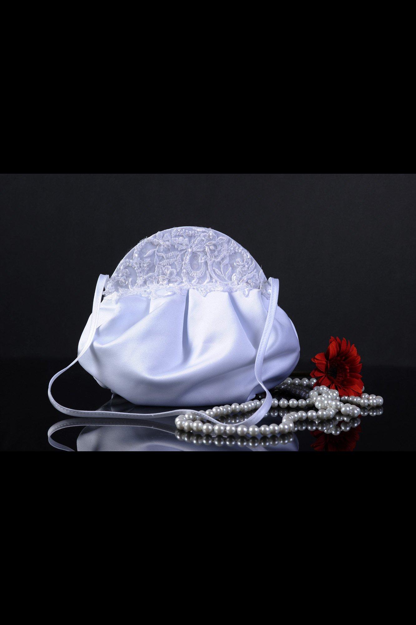 Атласная свадебная сумочка, украшенная сверху деликатным тонким кружевом.