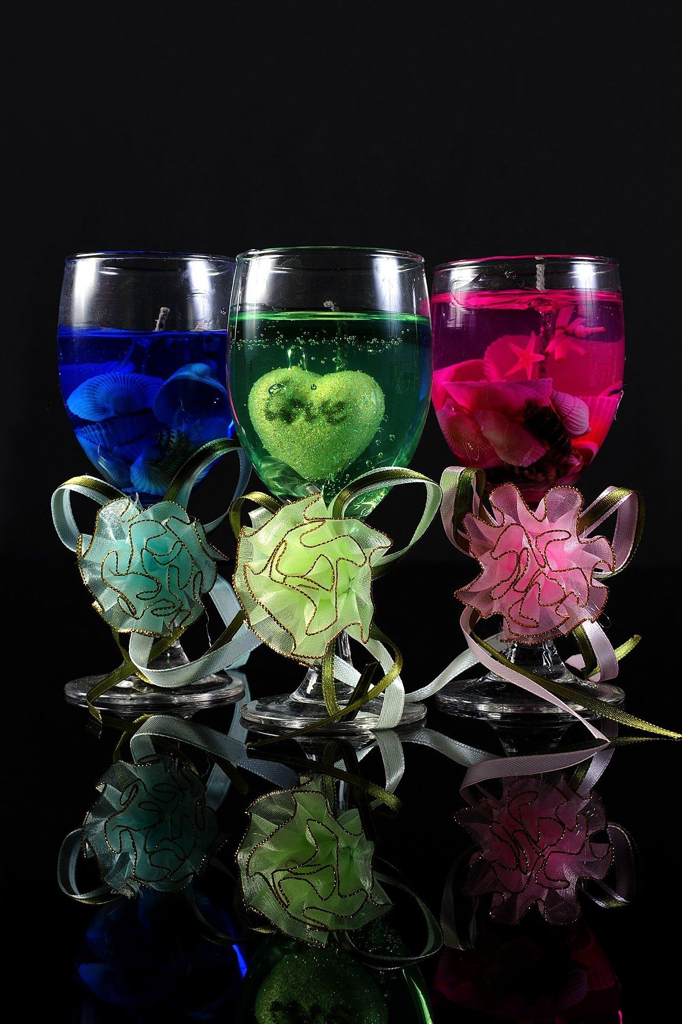 Гелевая свадебная свеча в бокале с объемным цветным декором.
