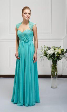 Стильное вечернее платье мятного оттенка, дополненное элегантным болеро.