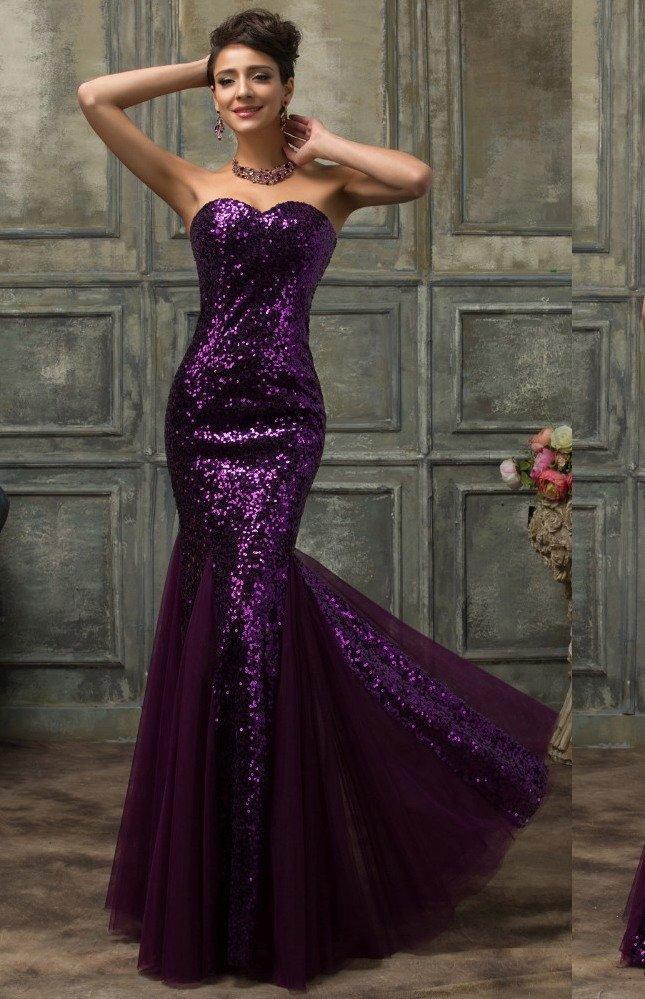 Фиолетовое вечернее платье «рыбка», покрытое отделкой из пайеток.