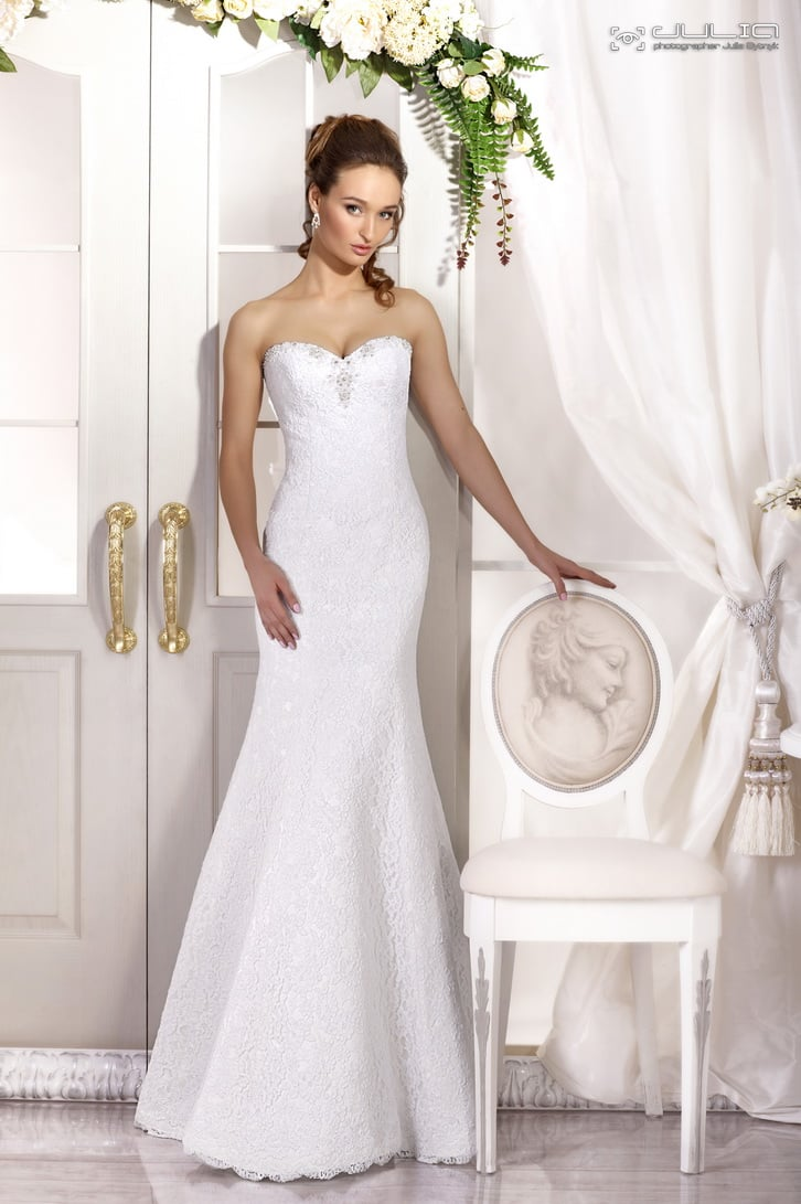 Соблазнительное свадебное платье «рыбка» с лифом в форме сердца.