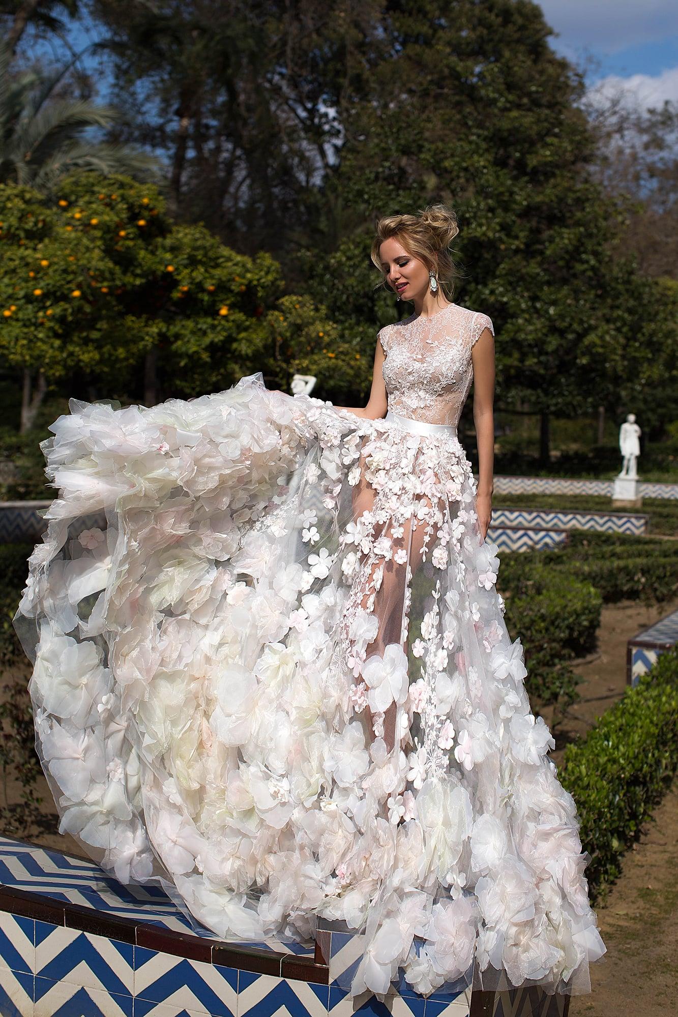 Свадебное платье Оксана Муха Bellarose ▷ Свадебный Торговый Центр Вега в  Москве f5c14c9662aab