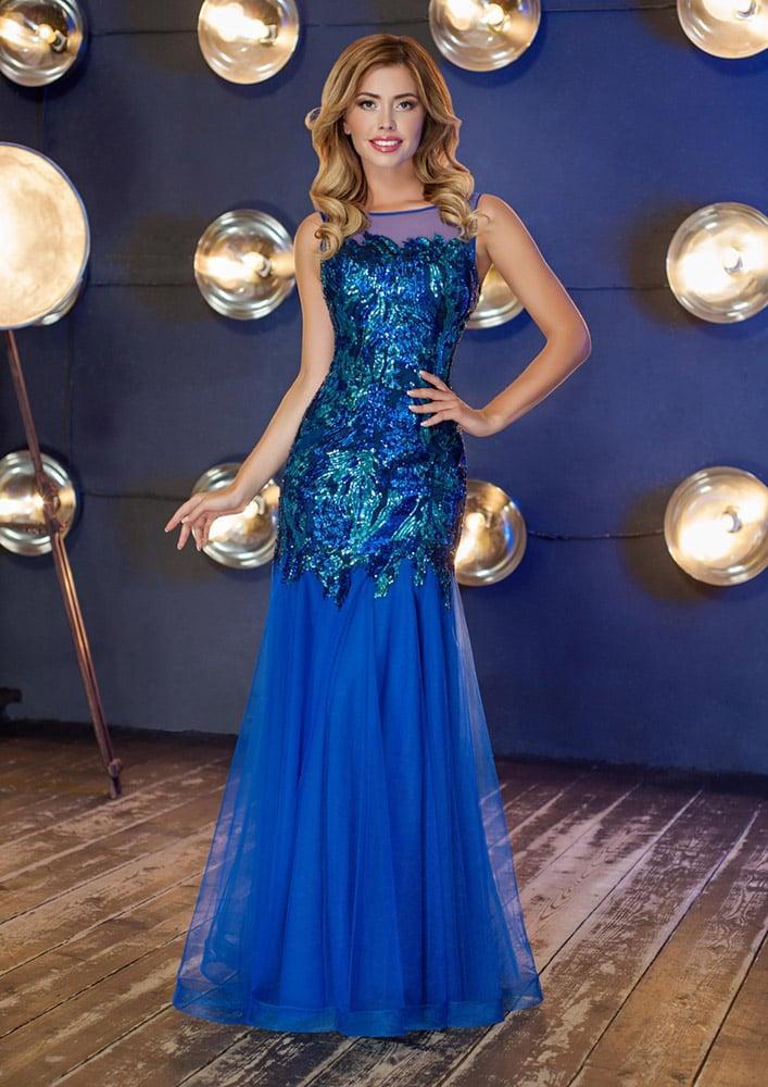 Соблазнительное вечернее платье с закрытым лифом и роскошной отделкой пайетками.