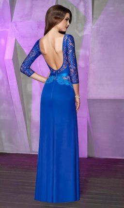 Эффектное вечернее платье с открытой спинкой и кружевным рукавом три четверти.