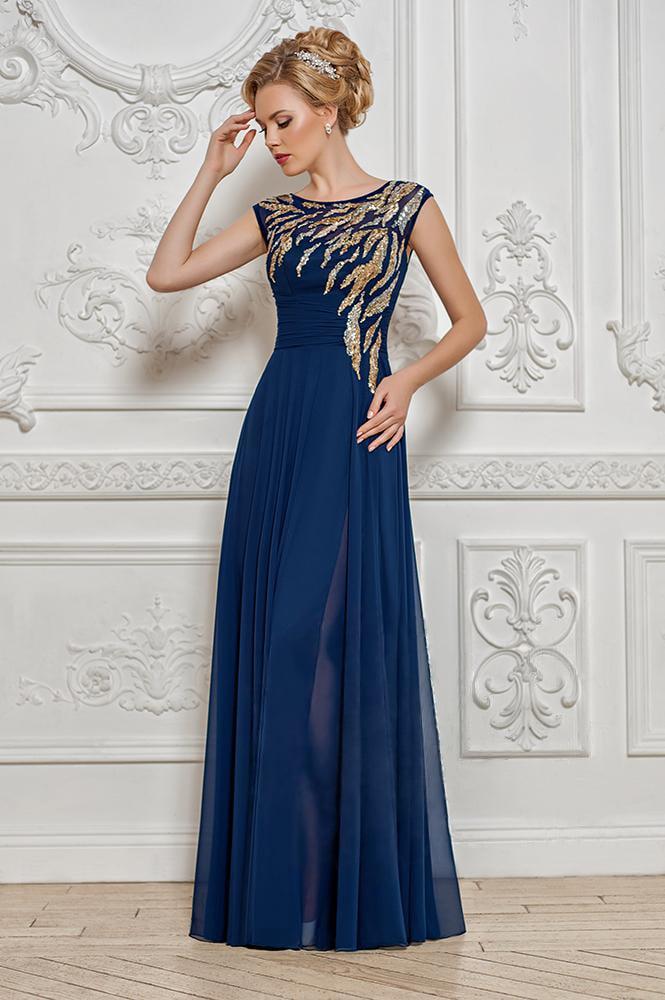 Стильное вечернее платье в пол прямого кроя с золотистой вышивкой на лифе.