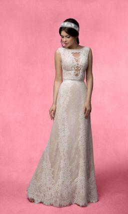 Прямое свадебное платье с пышной верхней юбкой и элегантной бежевой подкладкой.
