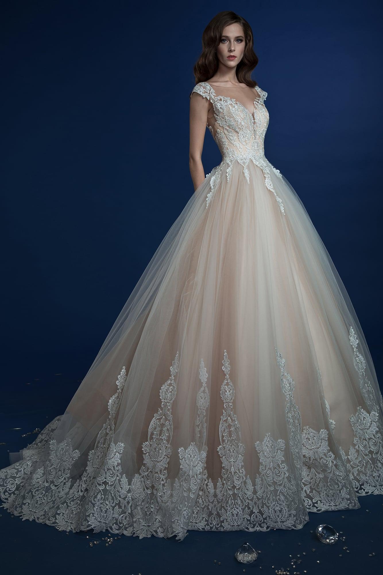 Свадебные платья кремовое платье пышное
