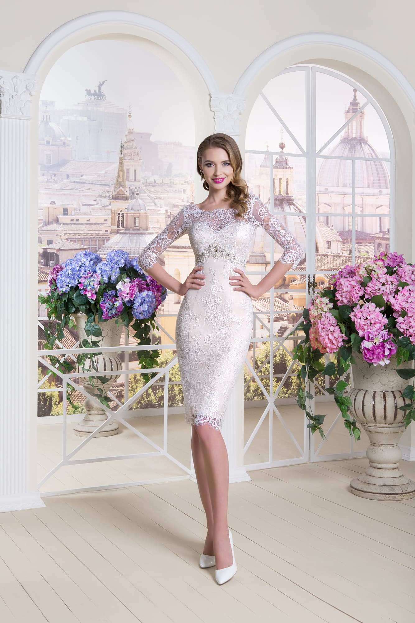 Платья футляр с кружевом белое 279