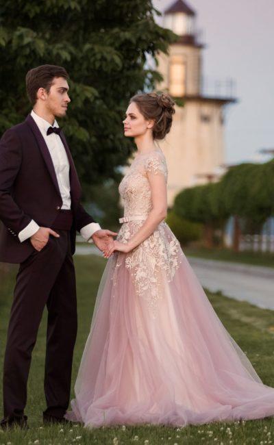 258ca7b21981 Свадебные платья Lara One Love 2018 ▷ Свадебный Торговый Центр Вега ...