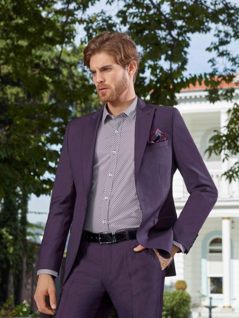 ▶▶Фиолетовый мужской костюм с однобортным пиджаком и прямыми брюками.  ☎ +7 495 724 26 05 ▶▶ Свадебный центр Вега Ⓜ Петровско-Разумовская