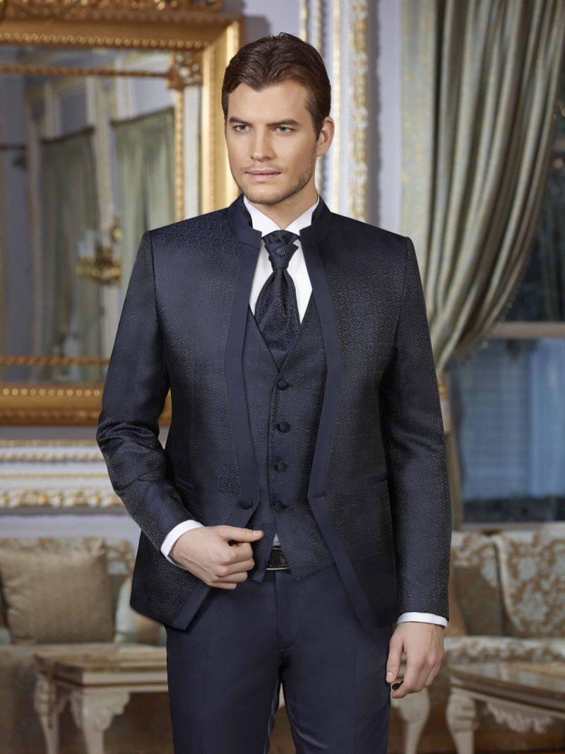 ▶▶Темно-синий мужской костюм с прямыми брюками и жилетом.  ☎ +7 495 724 26 05 ▶▶ Свадебный центр Вега Ⓜ Петровско-Разумовская