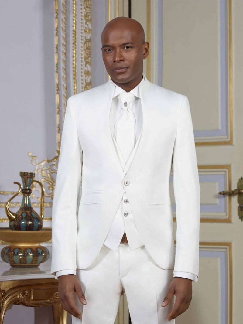 ▶▶Белоснежный мужской свадебный костюм-тройка с однобортным пиджаком. ☎ +7 495 724 26 05 ▶▶ Свадебный центр Вега Ⓜ Петровско-Разумовская