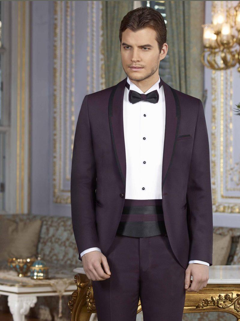 ▶▶Фиолетовый мужской свадебный костюм с однобортным пиджаком и прямыми брюками. ☎ +7 495 724 26 05 ▶▶ Свадебный центр Вега Ⓜ Петровско-Разумовская