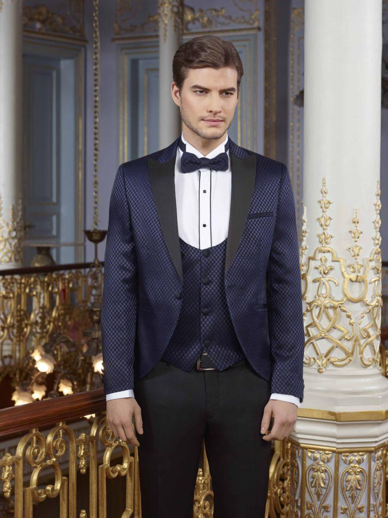 ▶▶Свадебный мужской костюм с черными брюками и синим пиджаком. ☎ +7 495 724 26 05 ▶▶ Свадебный центр Вега Ⓜ Петровско-Разумовская