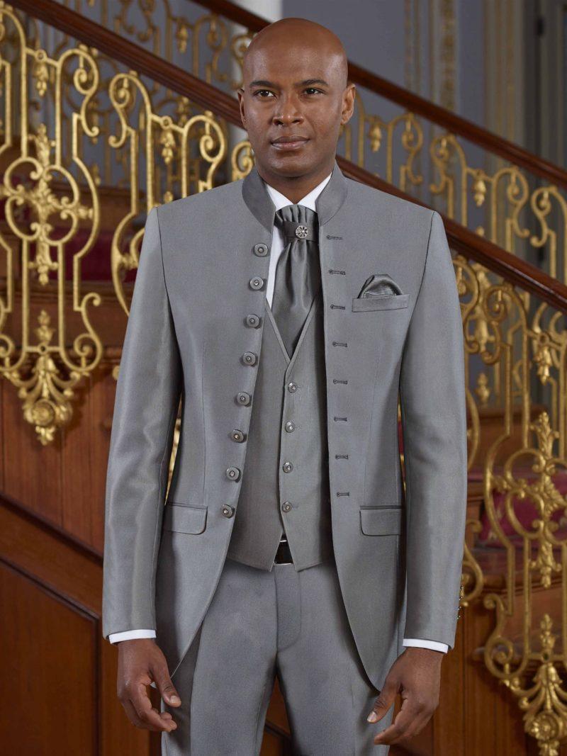 ▶▶Темно-серый мужской костюм с удлиненным пиджаком на пуговицах. ☎ +7 495 724 26 05 ▶▶ Свадебный центр Вега Ⓜ Петровско-Разумовская