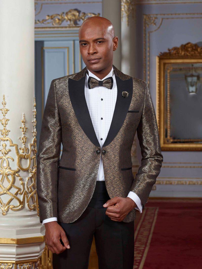 ▶▶Свадебный мужской костюм с золотистым пиджаком и черными брюками. ☎ +7 495 724 26 05 ▶▶ Свадебный центр Вега Ⓜ Петровско-Разумовская