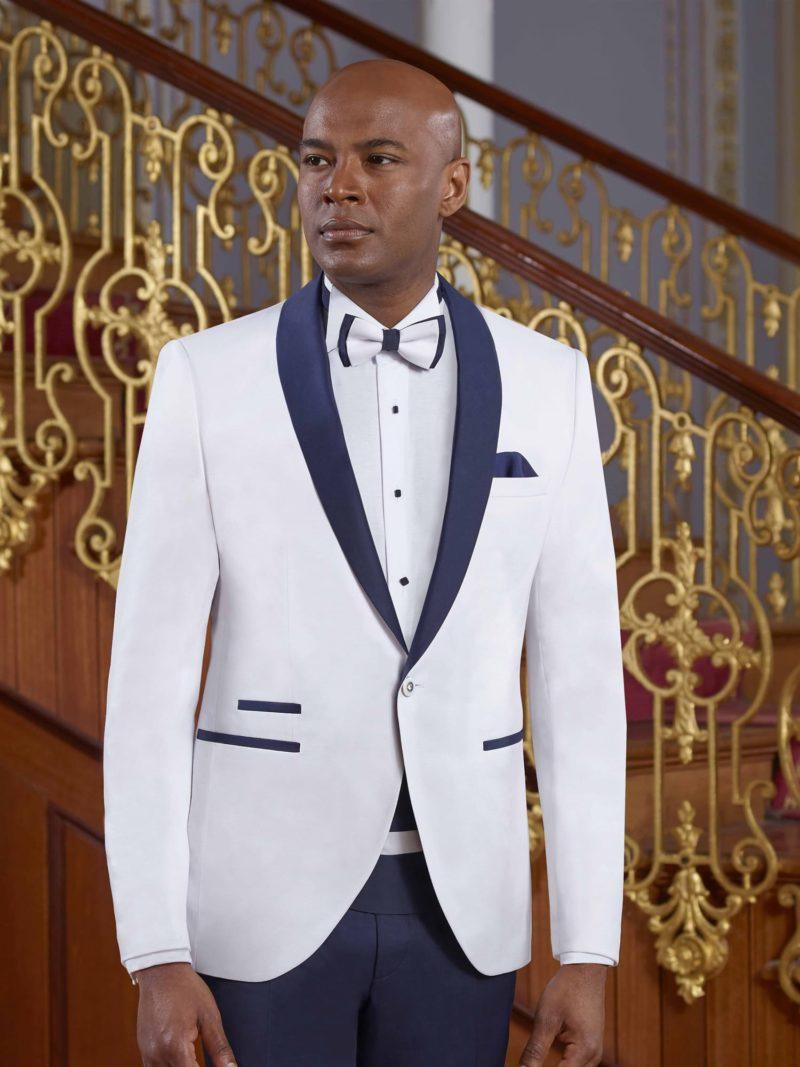 ▶▶Бело-синий мужской свадебный костюм с прямыми брюками и однобортным пиджаком. ☎ +7 495 724 26 05 ▶▶ Свадебный центр Вега Ⓜ Петровско-Разумовская