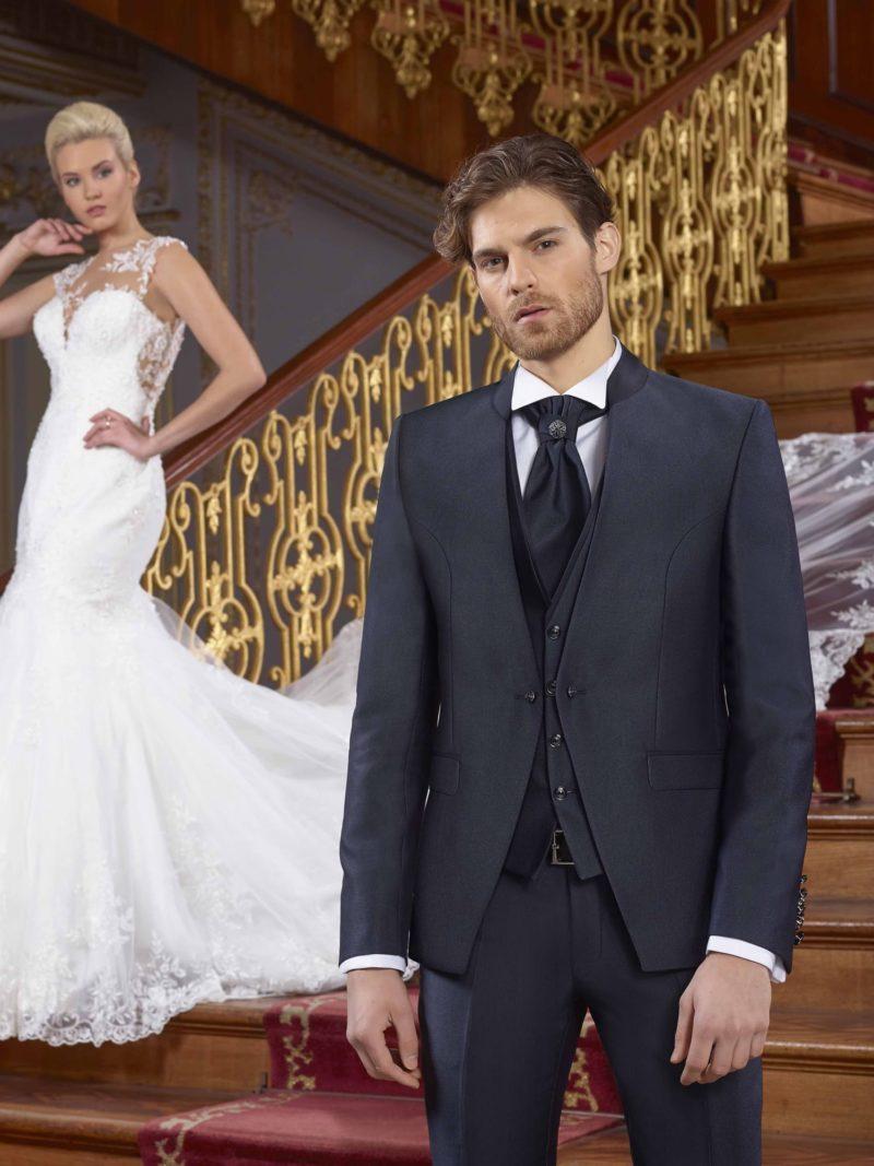 ▶▶Темно-серый мужской свадебный костюм-тройка с брюками прямого кроя. ☎ +7 495 724 26 05 ▶▶ Свадебный центр Вега Ⓜ Петровско-Разумовская