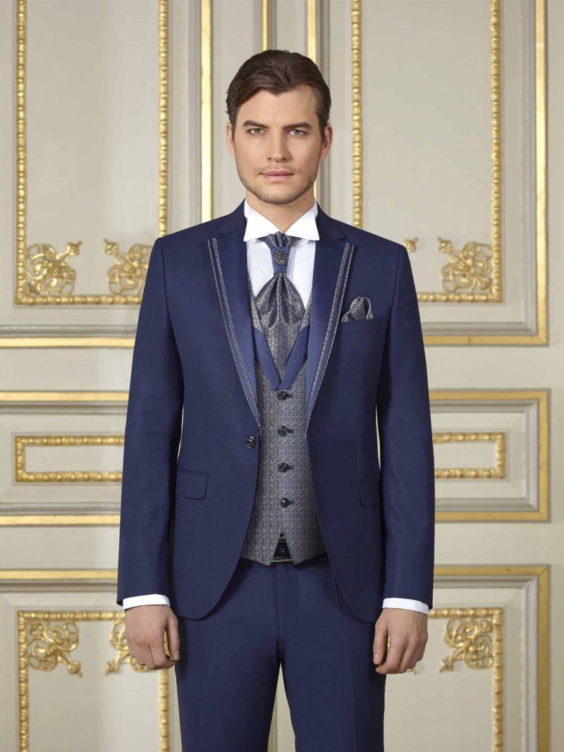 ▶▶Темно-синий мужской свадебный костюм-тройка с серым жилетом. ☎ +7 495 724 26 05 ▶▶ Свадебный центр Вега Ⓜ Петровско-Разумовская