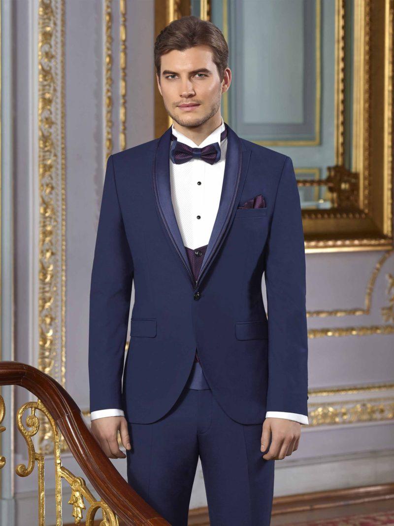 ▶▶Темно-синий свадебный мужской костюм-тройка с глянцевым кушаком. ☎ +7 495 724 26 05 ▶▶ Свадебный центр Вега Ⓜ Петровско-Разумовская