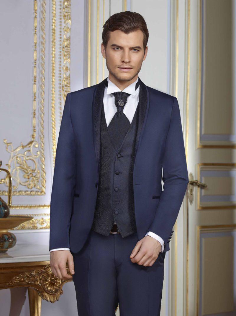 ▶▶Синий мужской свадебный костюм с темным фактурным жилетом. ☎ +7 495 724 26 05 ▶▶ Свадебный центр Вега Ⓜ Петровско-Разумовская