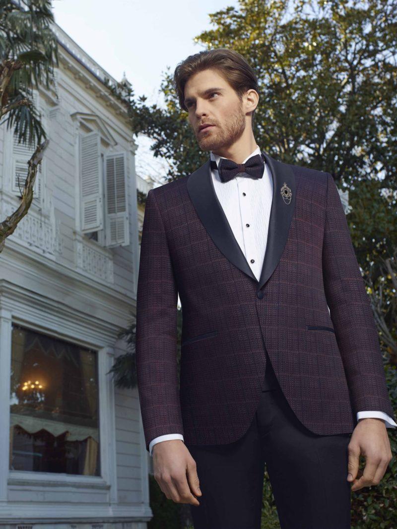 ▶▶Мужской свадебный костюм с темно-фиолетовым пиджаком и черными брюками. ☎ +7 495 724 26 05 ▶▶ Свадебный центр Вега Ⓜ Петровско-Разумовская