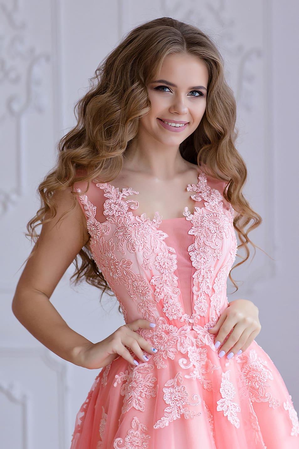 fee623cf44f7 Платье на выпускной розового цвета Valentina Gladun Brian розовое ...
