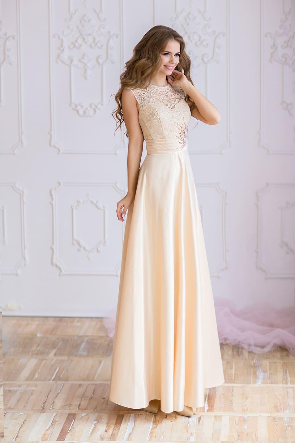 598d30af1b78 Кремовое вечернее платье прямого кроя с кружевной вставкой над вырезом  лифа. Valentina Gladun Gatsby   Coquette