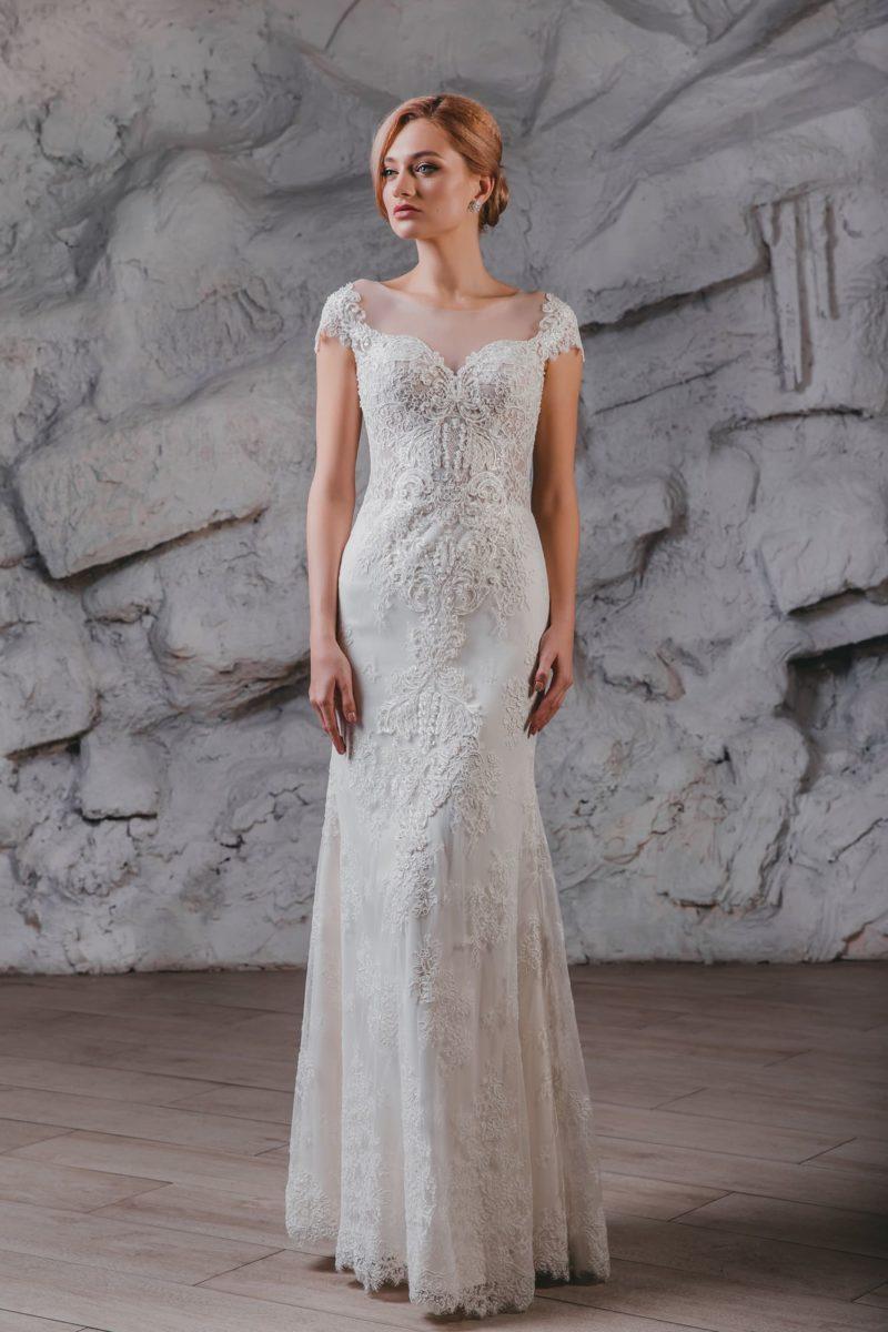 Свадебное платье-трансформер с плотным кружевным декором.